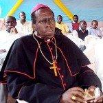 Mgr Smaragde Mbonyintege ngo yanze gusengera Abasenyeri n'Abihayimana bishwe n'Inkotanyi i Gakurazo musenyeri-smaragde-mbonyintege-150x150