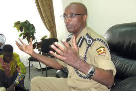 Kale Kayihura le chef de la police ugandaise , complice du régime de Paul Kagame