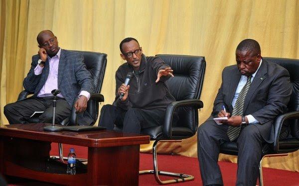 Aha Kagame yarimo gukanga abayobozi i Musanze ababwira ko ntacyo bamaze