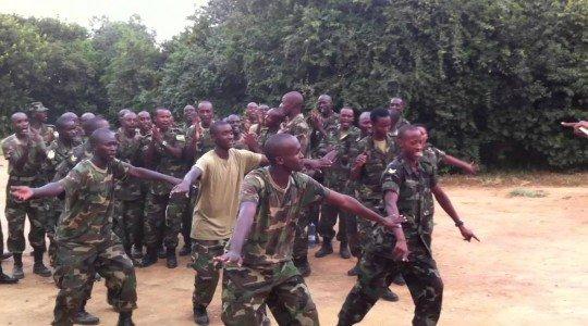 RDC: INGABO NYINSHI ZA RDF ZAMBUTSE MURI CONGO, ZIRI KWIKOREZA ABATURAGE IBIKORESHO BYA GISIRIKARI KU NGUFU.