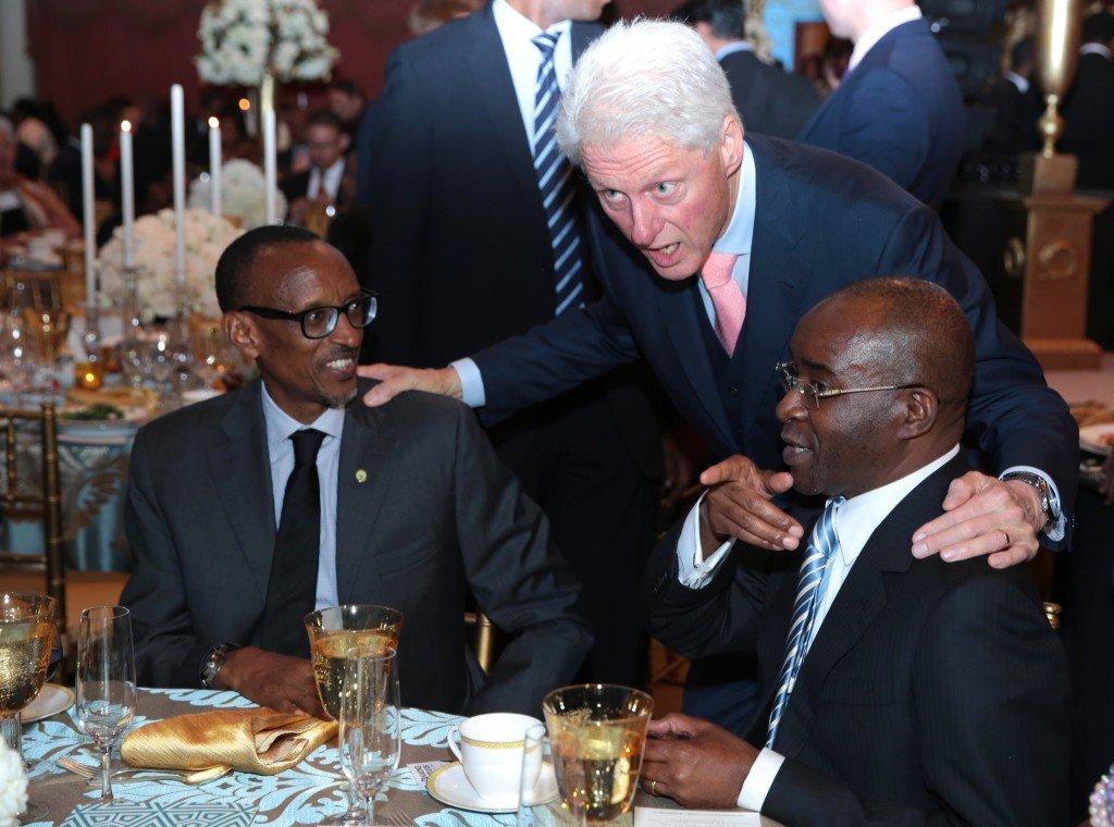 na Bill Clinton yaraye yongeye kwereka Kagame ko amushyigikiye, aho bahuriye i washington