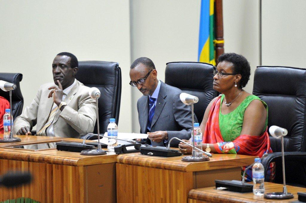 Le 24 juillet 2014. Ici les deux chefs du parlement n'étaient à l'aise à côté de Kagame