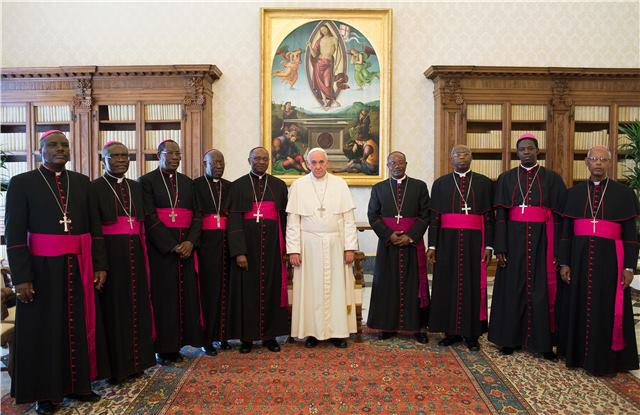 Burundian bishops with the Pope Francois