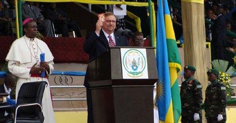 Rick Waren ari gusengera Kagame