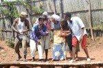 UMUZIKI: IYO ABANYARWANDA BABONYE AGAHENGE BURYA NABO BAZI GUCINYA AKADIHO!!!