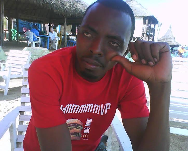 Maneko Théophile Habakurama mu kabari i Nairobi ategereje abamuzanira amakuru
