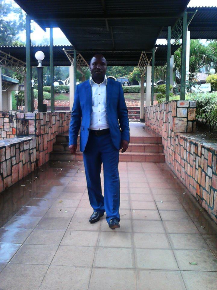 NZABAMWITA VICENT (UMUGANGA WARIYE KW'IFARANGA AKARYOHERWA UBU AKABA YARAYOBOTSE )